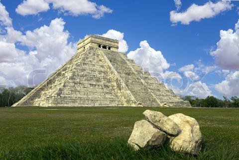 mayan ruins Chichen Itza Mexico